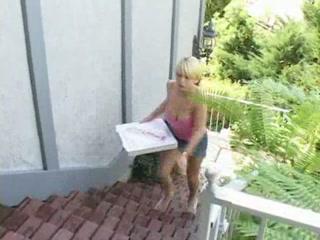 blonde pizza