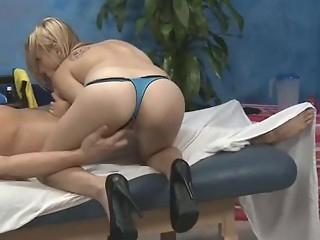 ass babe bikini